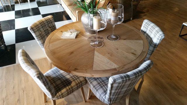 Salon meblowy Mebest, Jakie krzesła do nowoczesnego salonu, krzesła obite materiałem