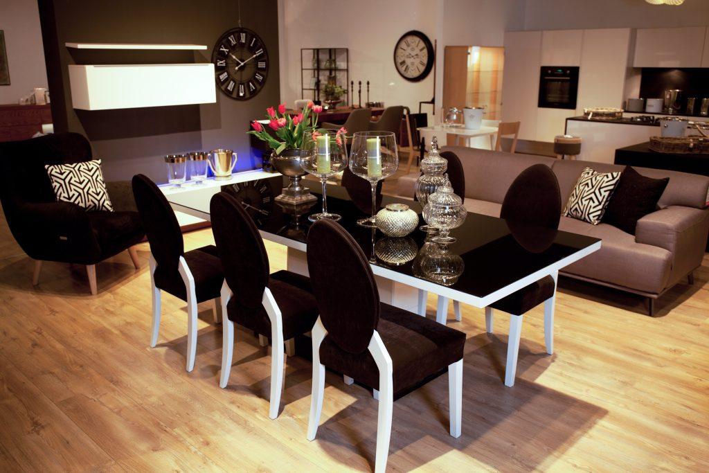 Salon meblowy Mebest Poznań, Krzesła tapicerowane wnieś trochę komfortu do wnętrza 1