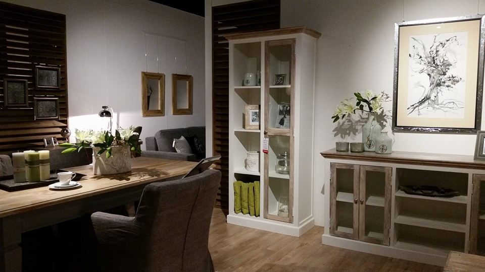 Salon meblowy Mebest Poznan, Pojemna komoda - must have każdego nowoczesnego salonu 3
