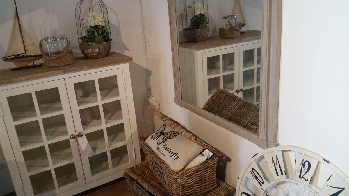 Ozdoby lustra ramy i zegary salon meblowy Mebest zdjęcie nr 34