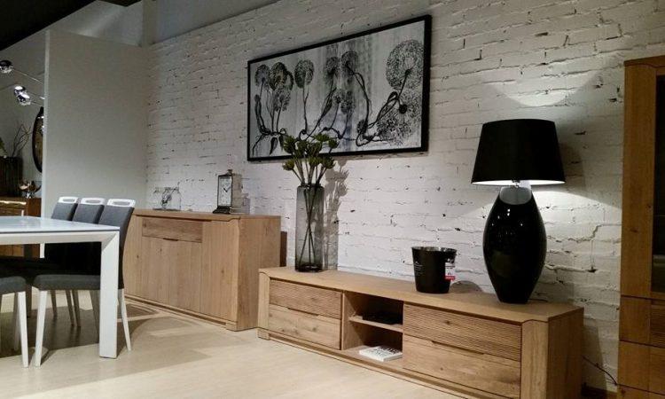 4. Salon meblowy Mebest Poznan, Meble do salonu na nóżkach czy bez