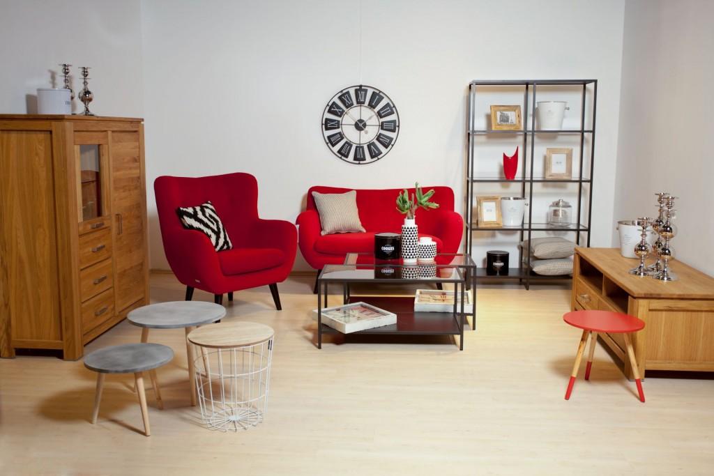 Salon meblowy Mebest, Na co zwrócić uwagę kupując meble tapicerowane, czerowny zestaw sofa+fotel