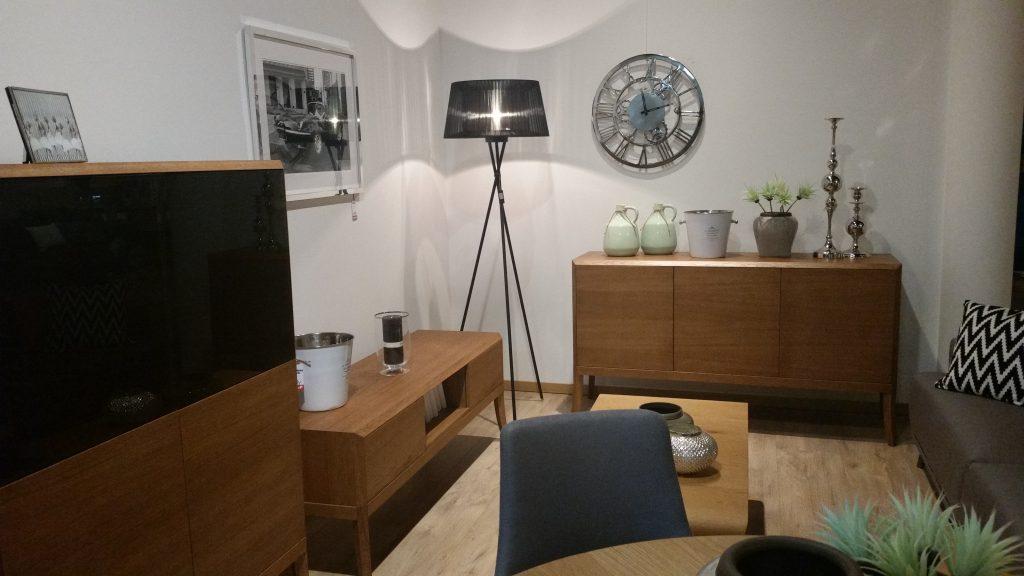 4. Salon meblowy Mebest Poznań, Designerskie meble - mat czy wysoki połysk
