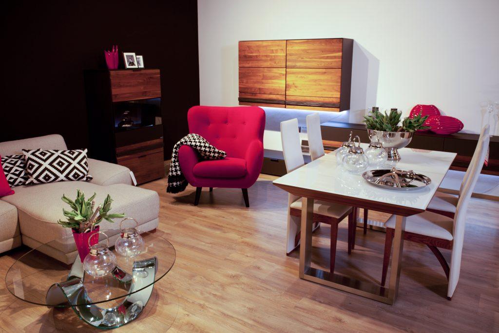 9. Salon meblowy Mebest Poznań, Designerskie meble - mat czy wysoki połysk