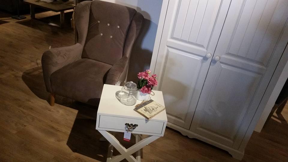 Salon-meblowy-Mebest-Poznań-Meble-do-sypialni-czyli-sprytne-przechowywanie-odzieży-oraz-akcesoriów-4