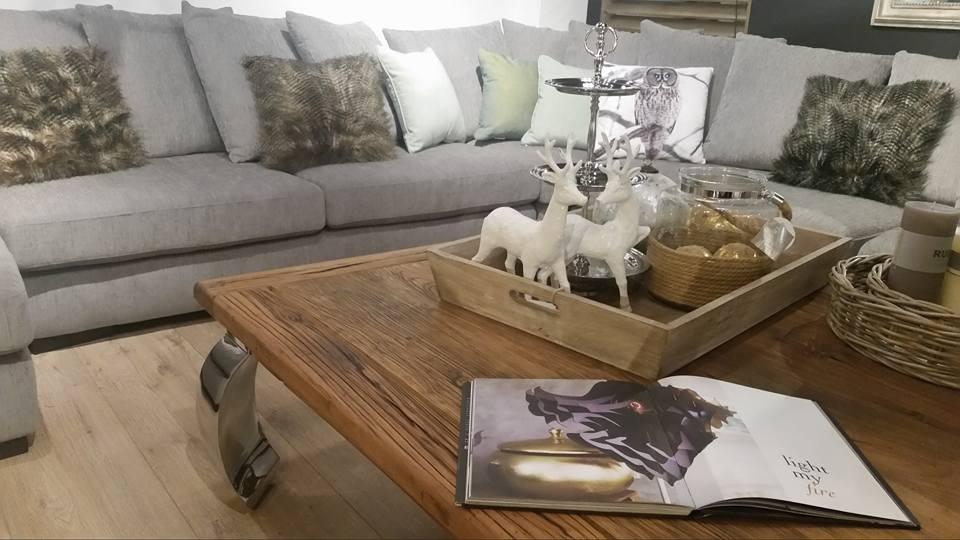 salon-meblowy-mebest-poznan-moda-na-stoliki-kawowe-lawy-i-pomocniki-to-bedzie-trendy-w-2017-roku-5