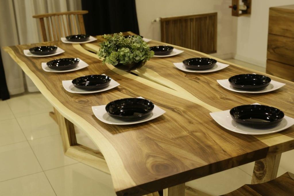 Salon meblowy Mebest Poznan, meble Drewbetex  stol Laguna z drewna litego orzechowego 2